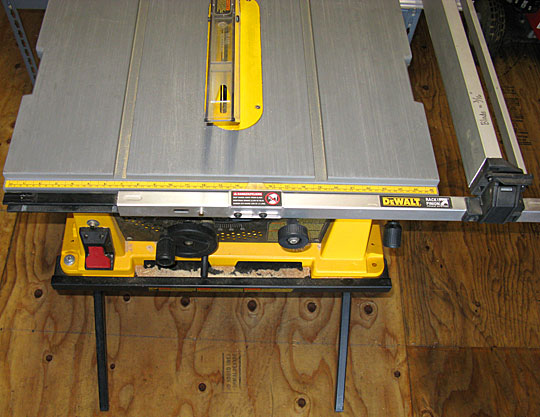 The dewalt dw744x table saw steadmans ace hardware dewalt saw operators view 1 greentooth Images