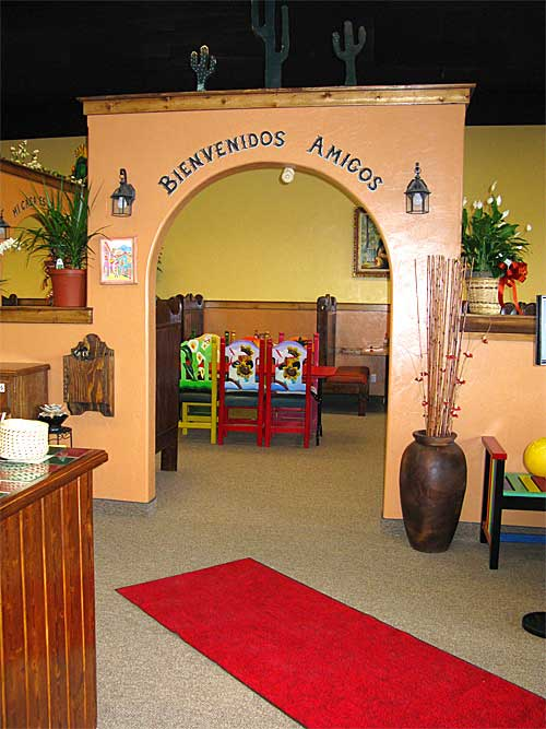 Mexico Lindo Restaurant Entrance